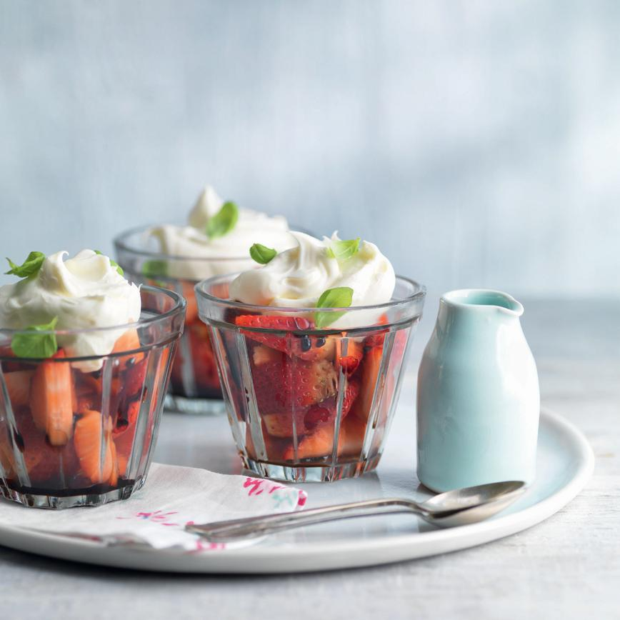 Strawberries-balsamic-syrup-mascarpone-cream