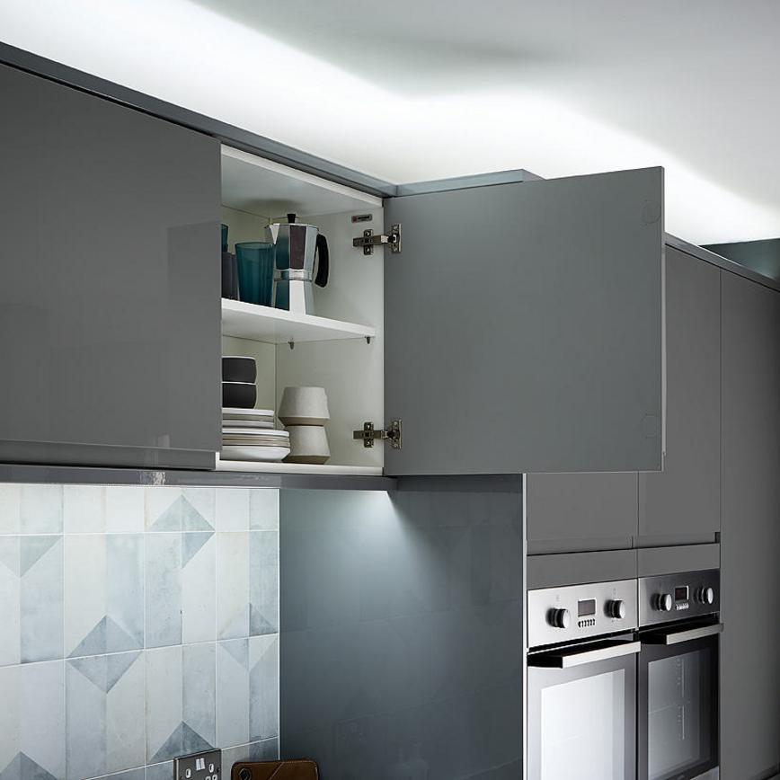 Clerkenwell Gloss Slate Grey Kitchen Fitted Kitchens Howdens