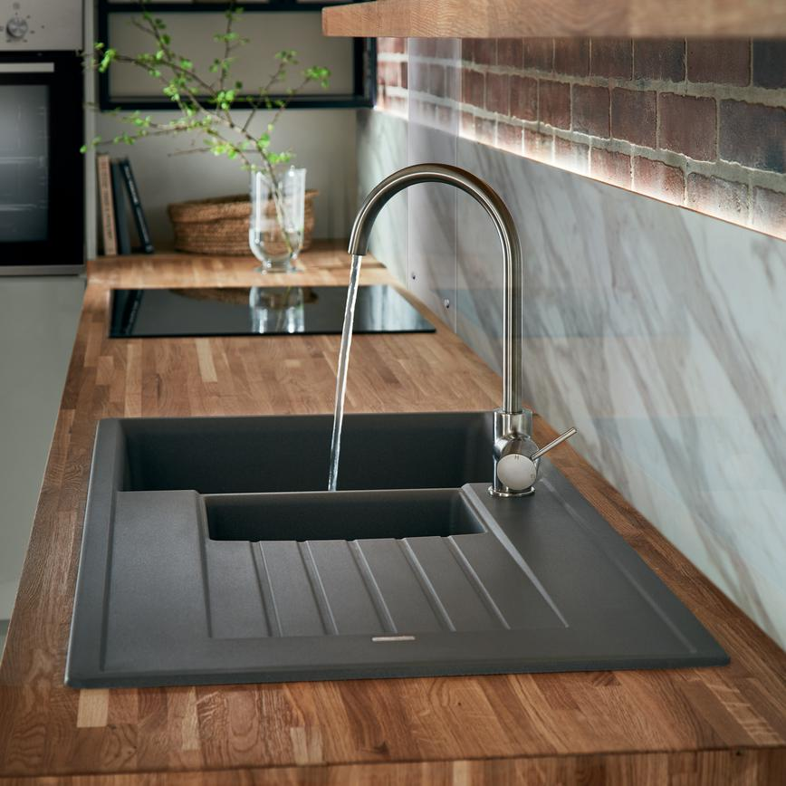 Lamona Granite Composite 1 5 Bowl Sink Howdens Joinery