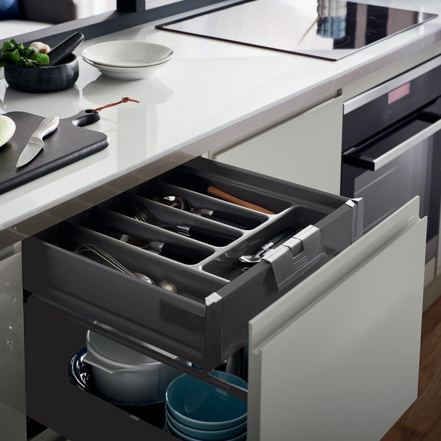 CLERKENWELL-GLOSS-DOVE-GREY-RT-CUTLERY_DRAWER-86 1_RT1