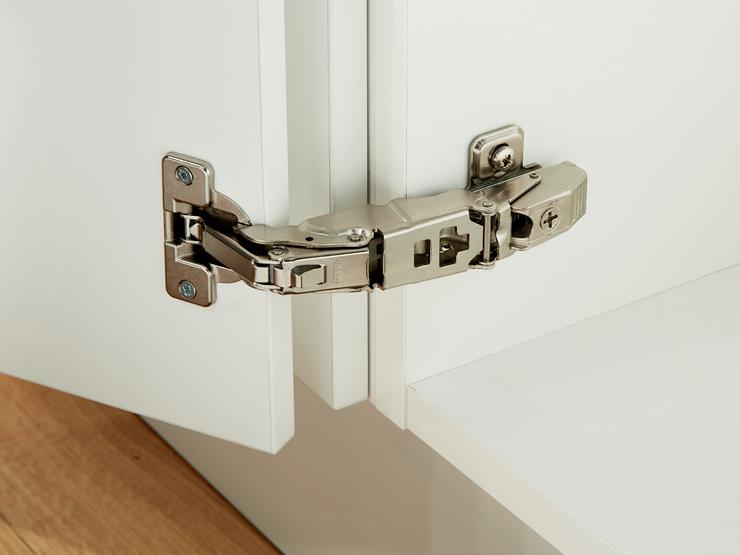 155 Degree Hinge for Integrated Handle