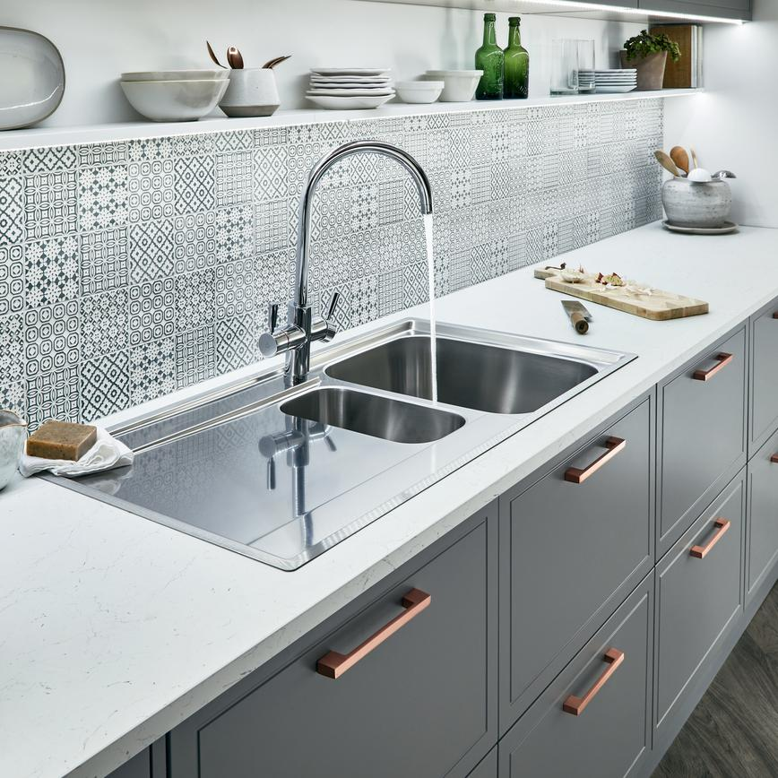 LEWES-SLATE_GREY-DETAIL-SINK&TAP(002)-01A-WET_RT2