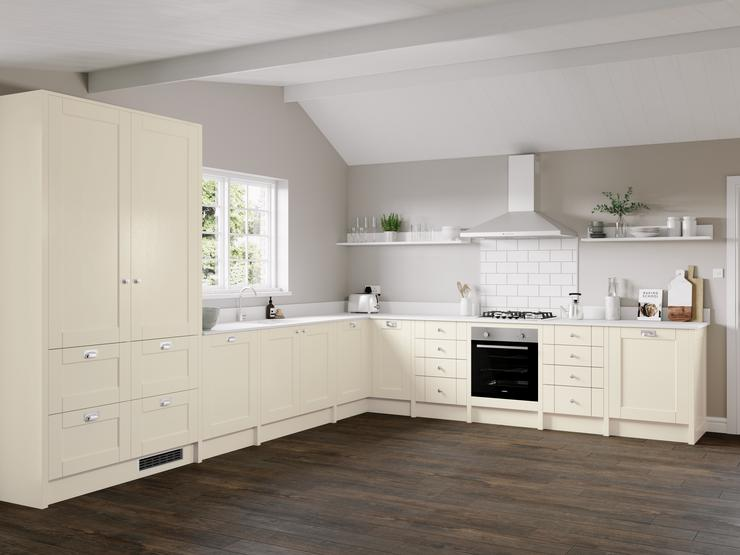 Fairford Antique White Main Set Shot - Kitchen Brochure