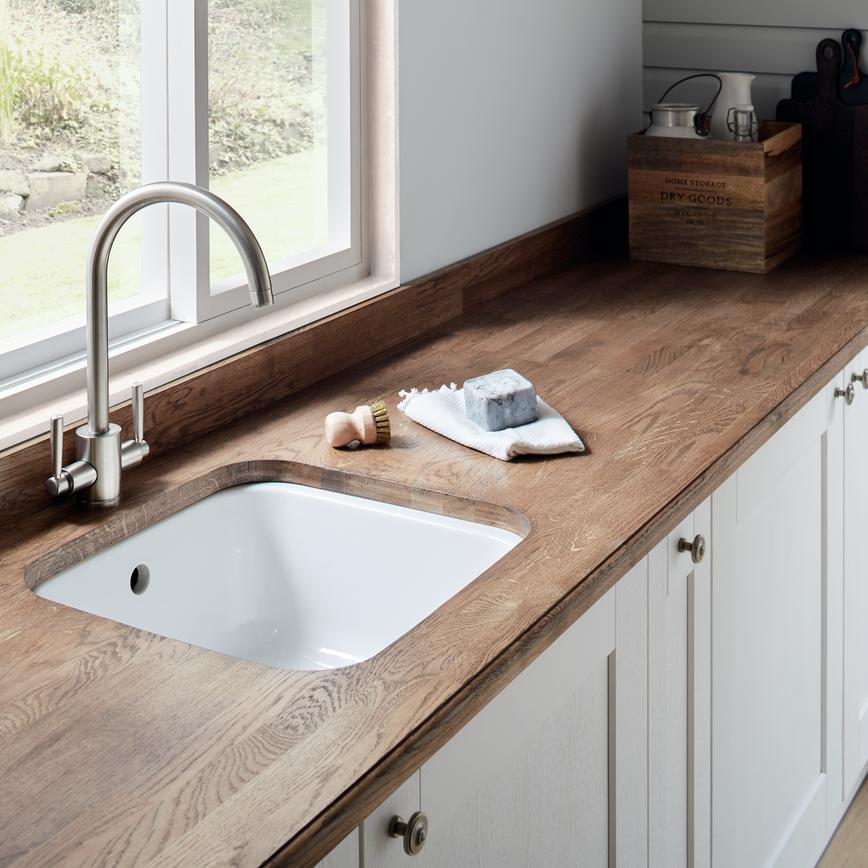 Fairford White Sink & Tap 1_RT1