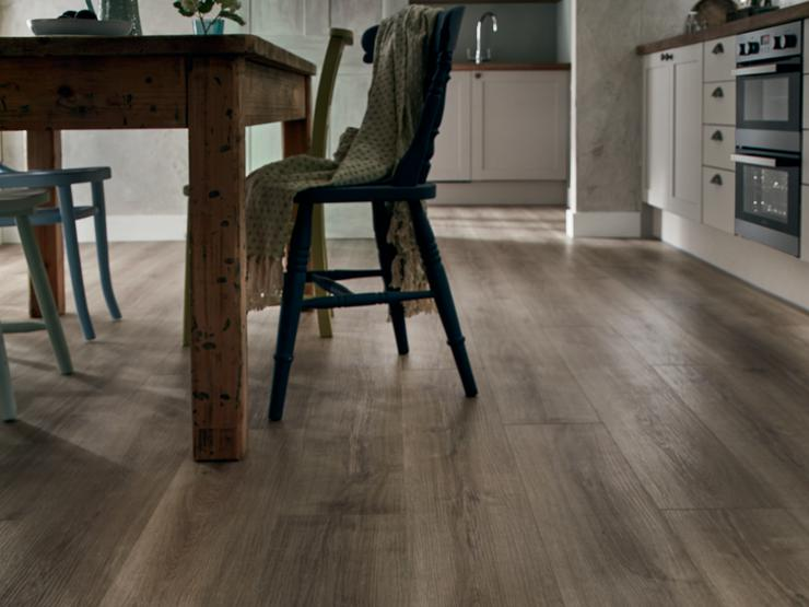 Howdens Professional Single Plank Grey Oak Luxury Vinyl Flooring 1.76m² Pack