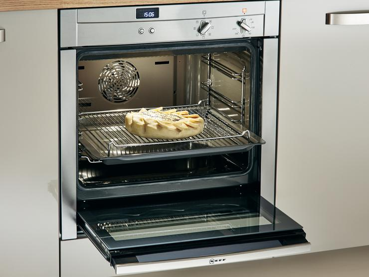 Neff Slide&Hide® Multi-Function Oven