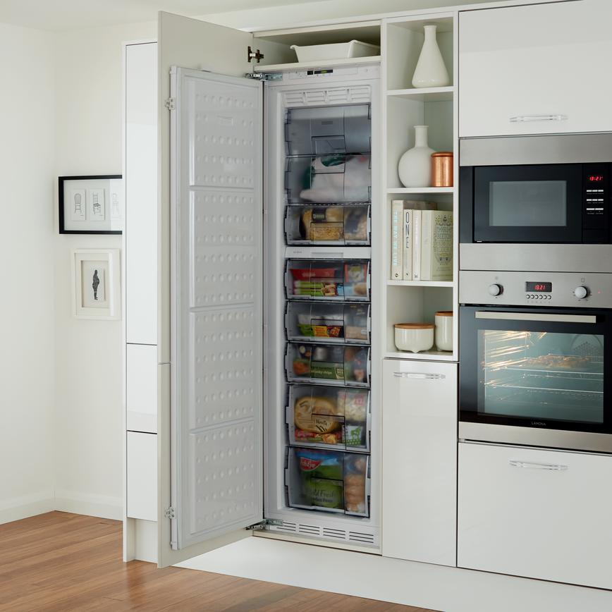 Lamona Full Height Integrated Larder Freezer White Howdens