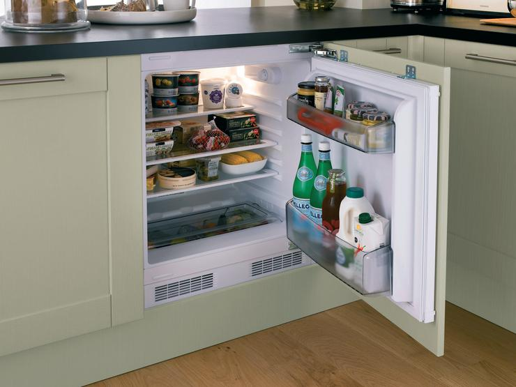 Lamona Built-Under Integrated Larder Fridge