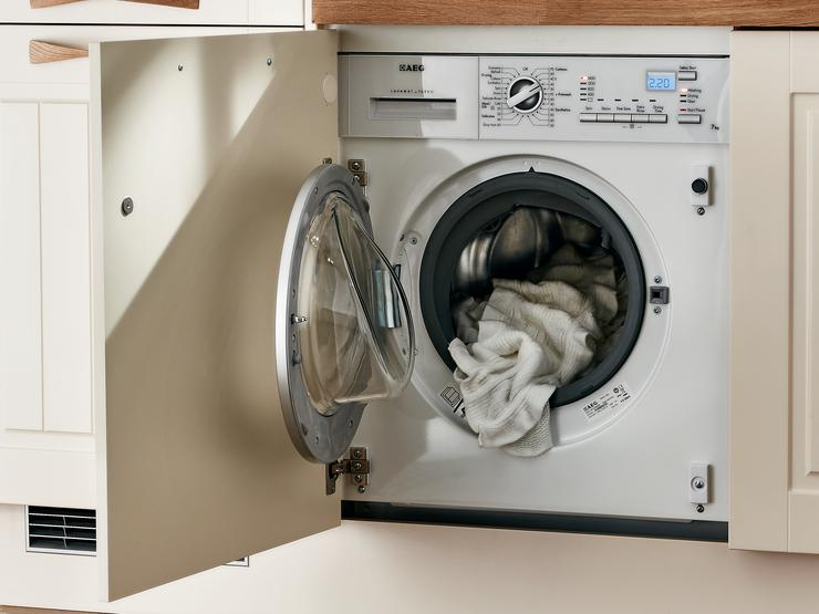 AEG 1400rpm Integrated Washer Dryer
