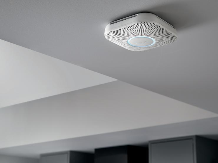 Nest Protect Smoke & CO Alarm - lifestyle