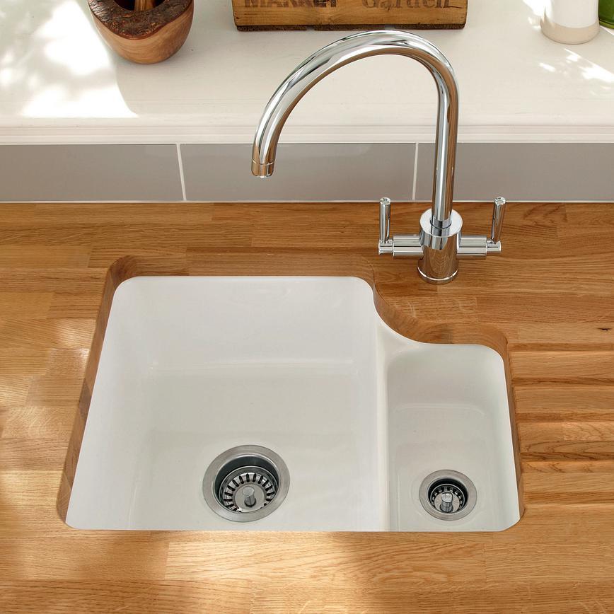 Lamona Ceramic 1 5 Bowl Undermount Sink Howdens