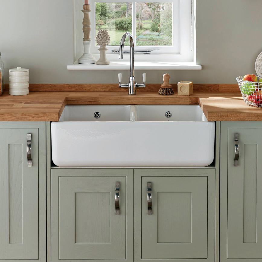Lamona Ceramic Double Belfast Sink | Howdens Joinery