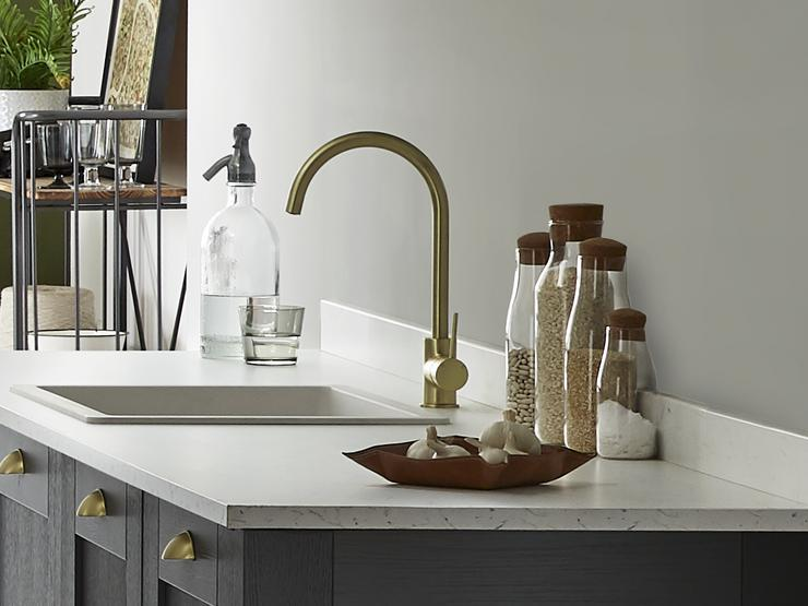 FAIRFORD-CHARCOAL-cropped-alvo brass tap