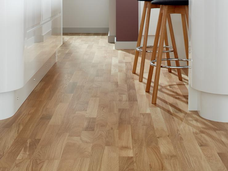 Howdens Real Wood Pre-Finished Oak 3 Strip