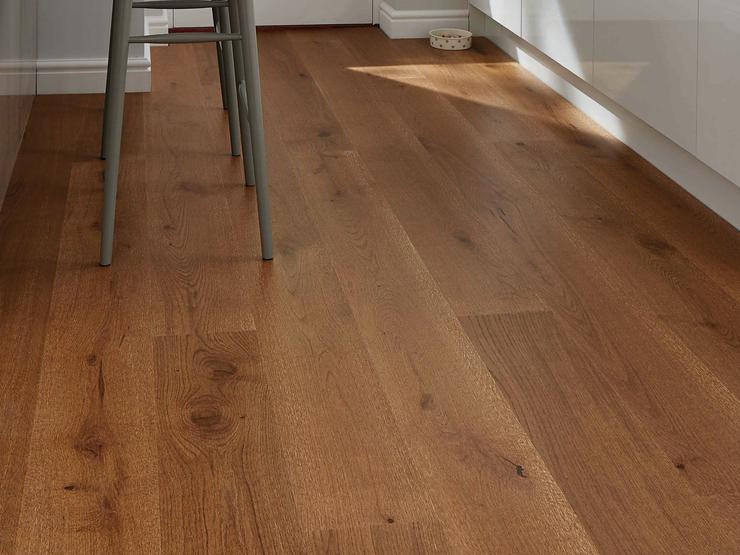 Howdens Real Wood Pre-Finished Fast Fit Chestnut Oak Single Plank Wide