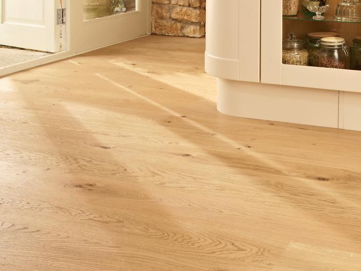 Howdens Real Wood Pre-Finished Oak Single Plank Wide