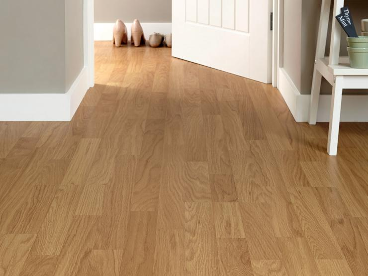 Howdens Oak laminate
