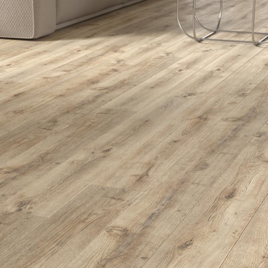 Howdens Professional Click Fit Pale Oak Vinyl Flooring 2