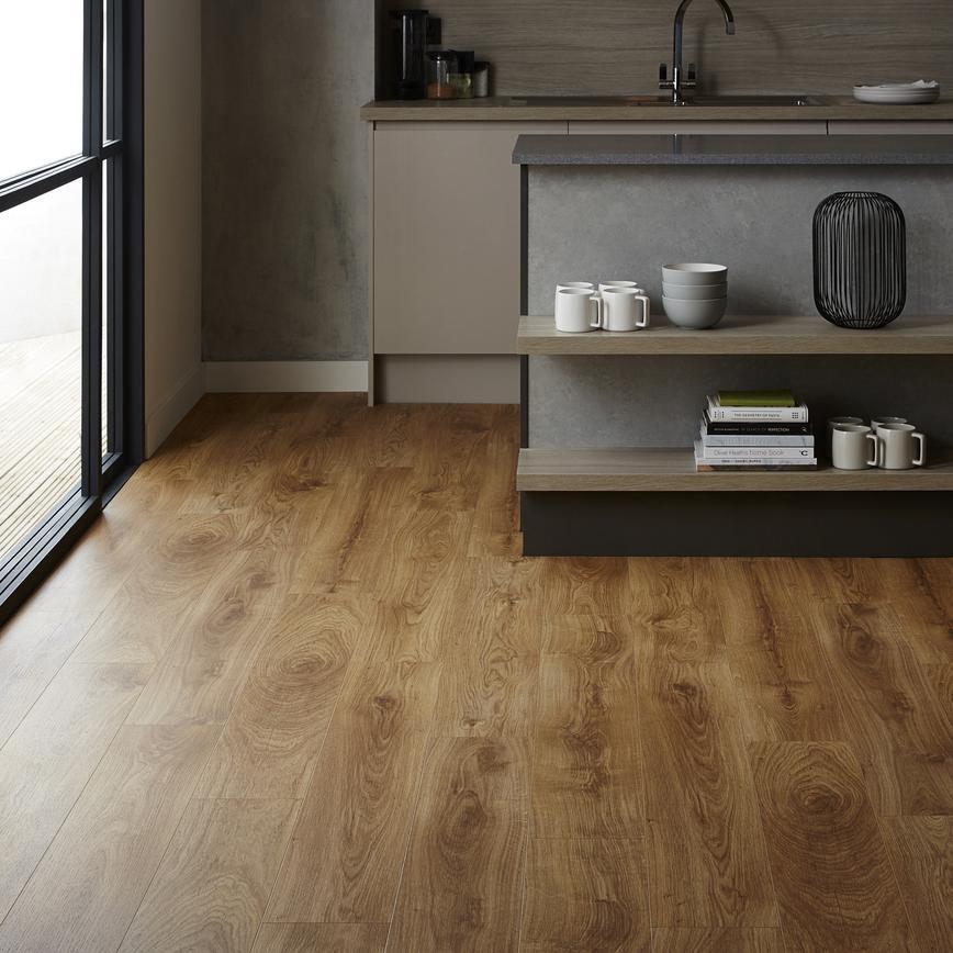 Quick Step Livyn Natural Oak Vinyl Flooring 2 10sq M Howdens