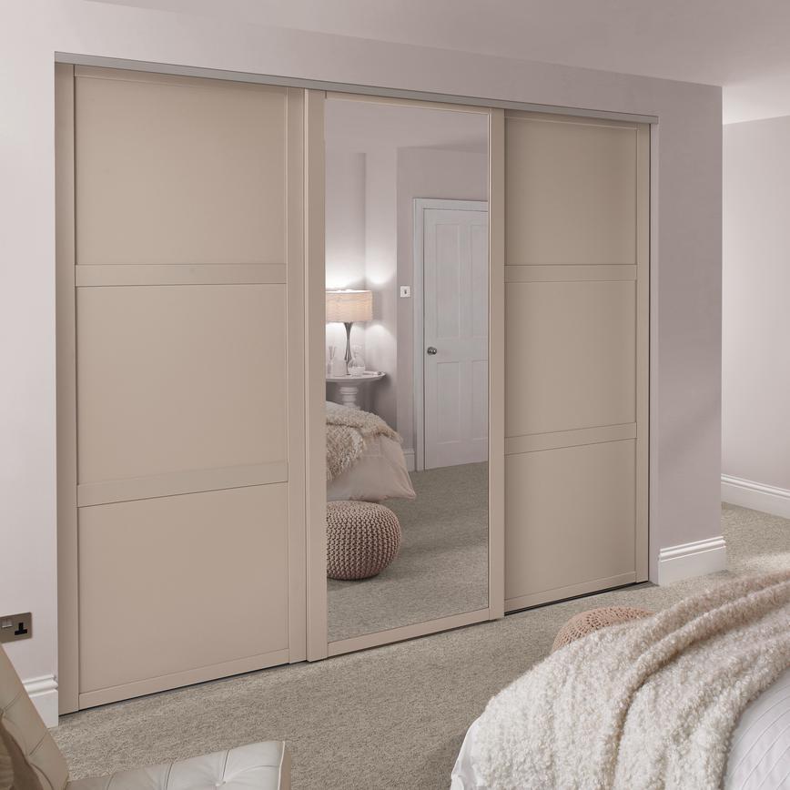 Shaker Cashmere Panel Sliding Wardrobe Door Howdens