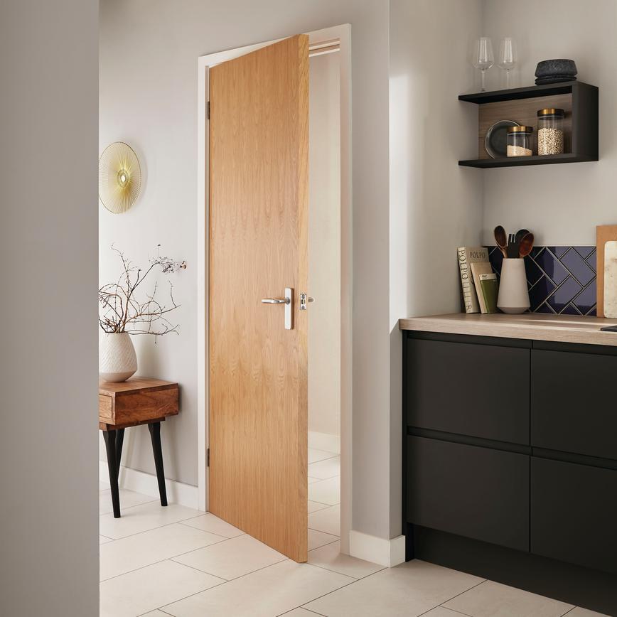 Oak Veneer Flush Internal Door Howdens Joinery