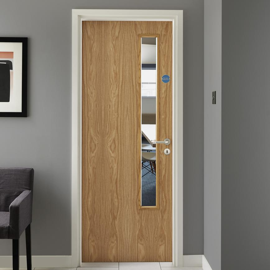 Oak Veneer 20g glazed - Lockable Commercial Door