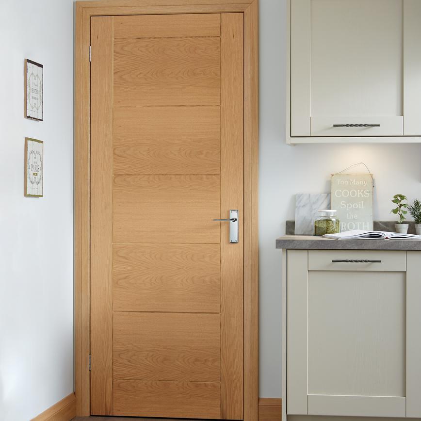 Linear Pre Finished Internal Oak Door Howdens Joinery