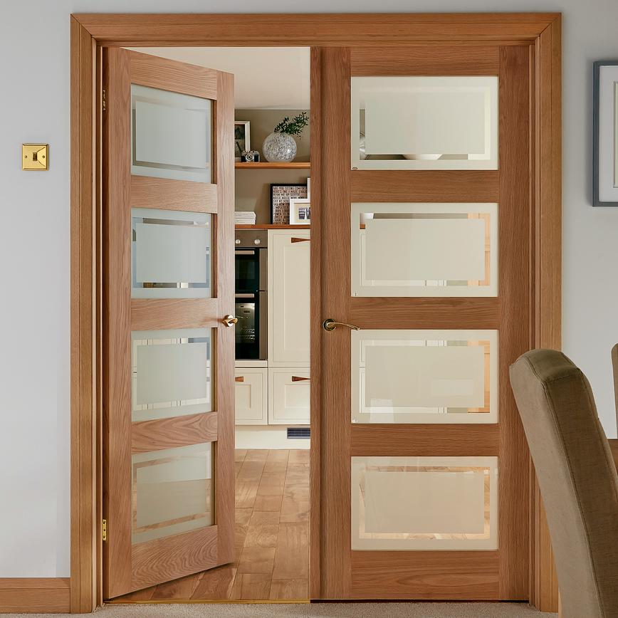 Shaker Four Panel Oak Glazed Internal Door Howdens Joinery
