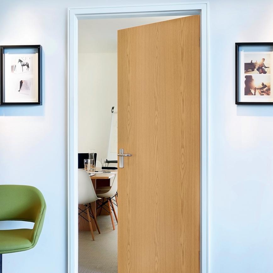 Oak Foil Flush Internal Door Howdens Joinery