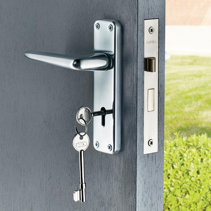 Edinburgh Chrome Effect Lock Handle