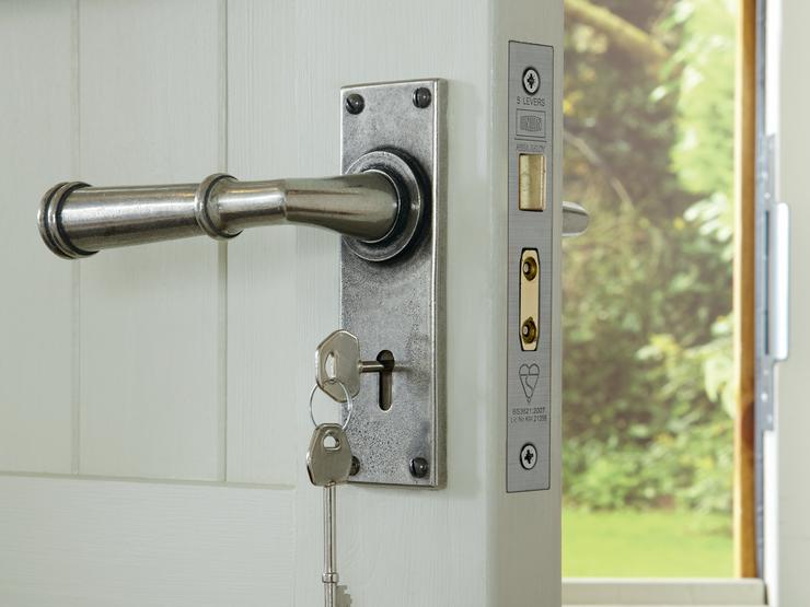 Durham Solid Pewter Lock Handle