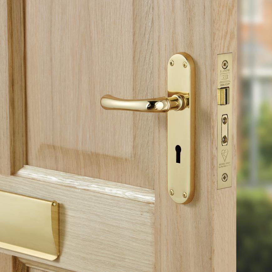 Idro Lock Door Handle Howdens Joinery