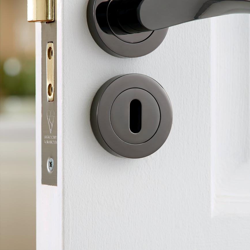 Door Furniture | Screws and Ironmongery | Howdens