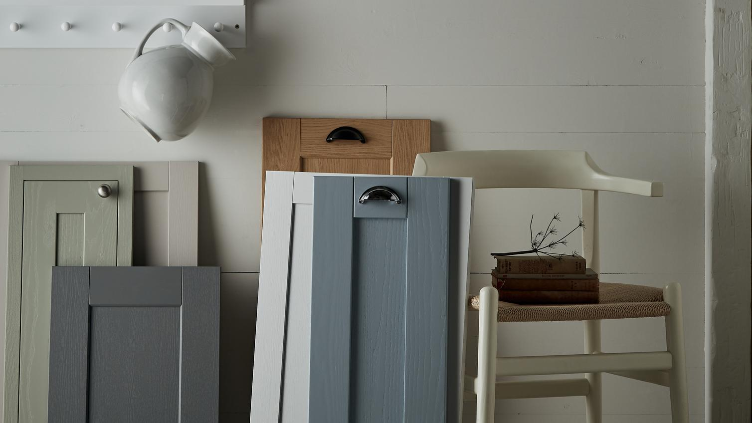 kitchen colours design guides howdens. Black Bedroom Furniture Sets. Home Design Ideas