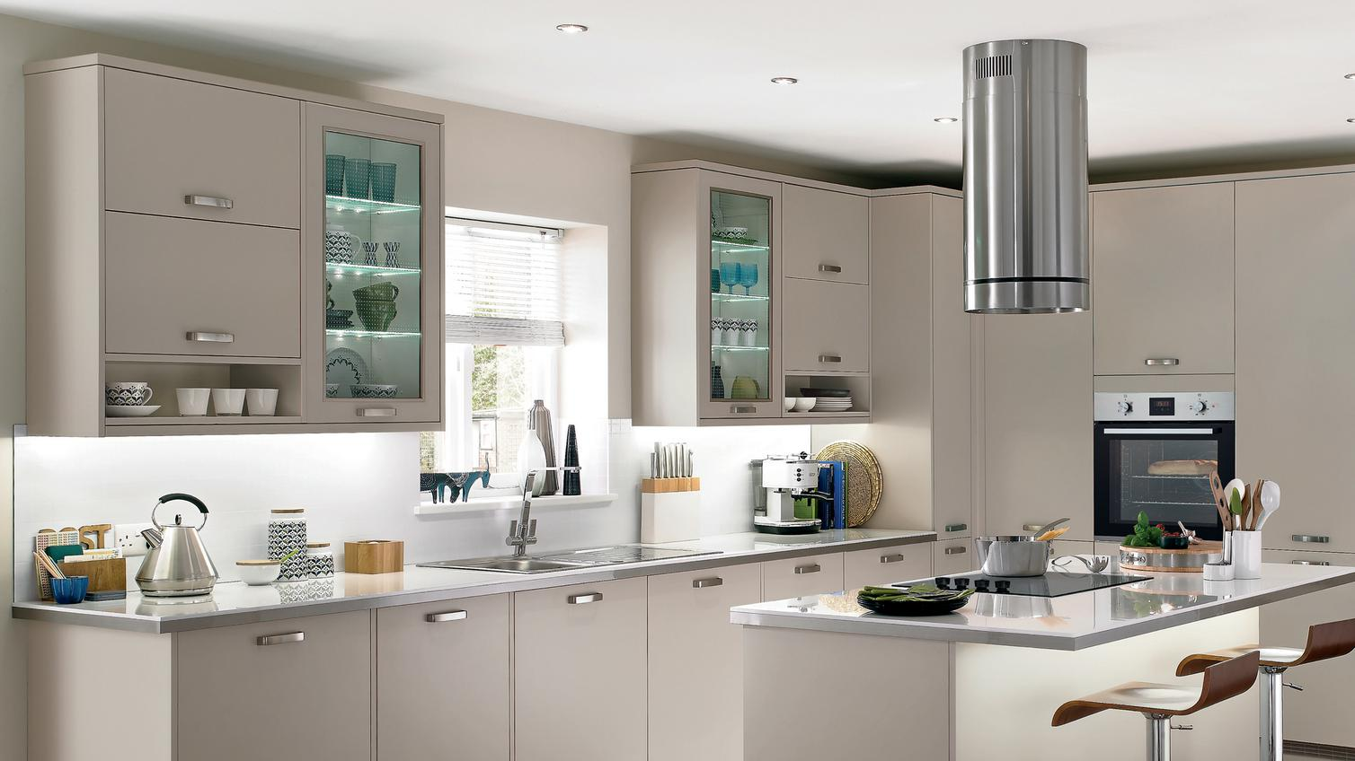 Greenwich Cashmere Kitchen Fitted Kitchens Howdens