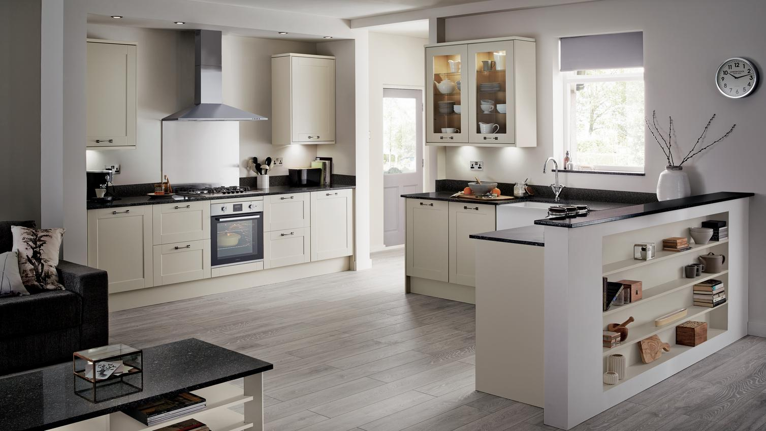 Burford Ivory Kitchen Fitted Kitchens Howdens