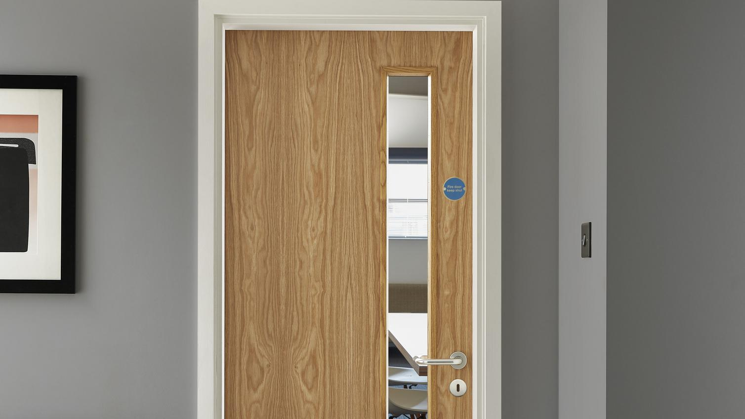 Internal Flush Oak Veneer 20g Glazed Fire Door Fd30 Howdens